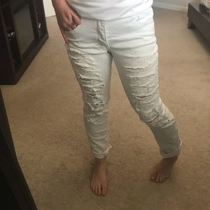 American eagle white destroyed jeans